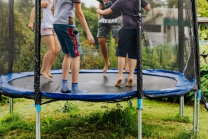 trampolin klappbar 300x200 - Sollte ein Fitness Trampolin klappbar sein?