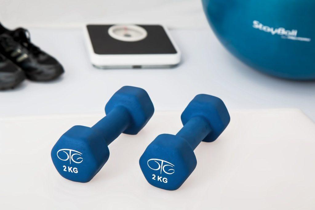physiotherapy 595529 1280 scaled - Mit dem Fitness Trampolin abnehmen - Effektives Traning