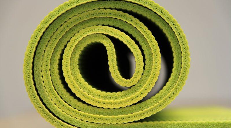 yoga 940359 1280 800x445 - Training mit der Fintessmatte