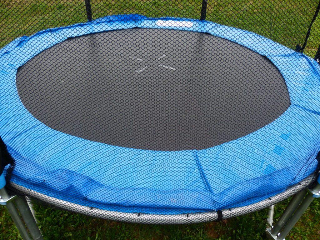 trampolin umrandung